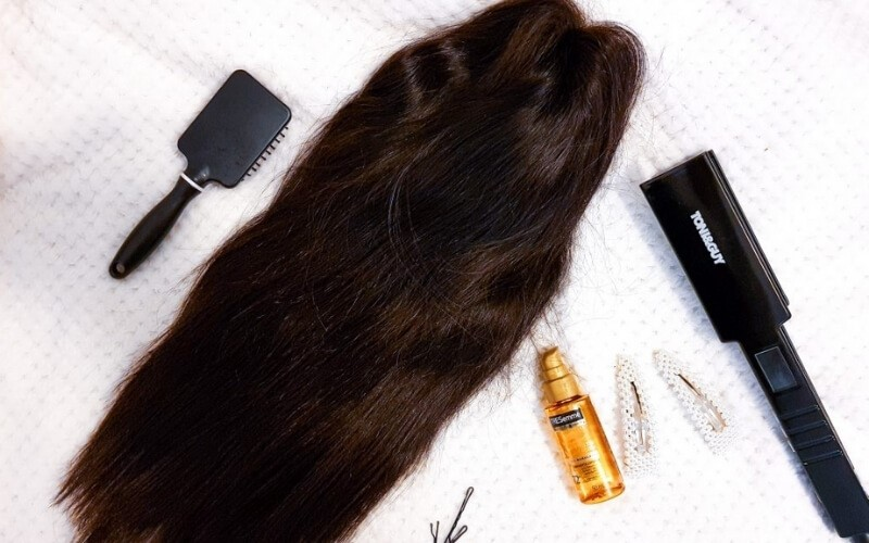use-shampoo-conditioner-and-brush-to-treat-your-wig