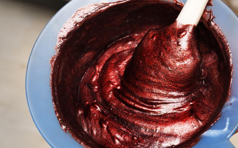 mixing-the-dye