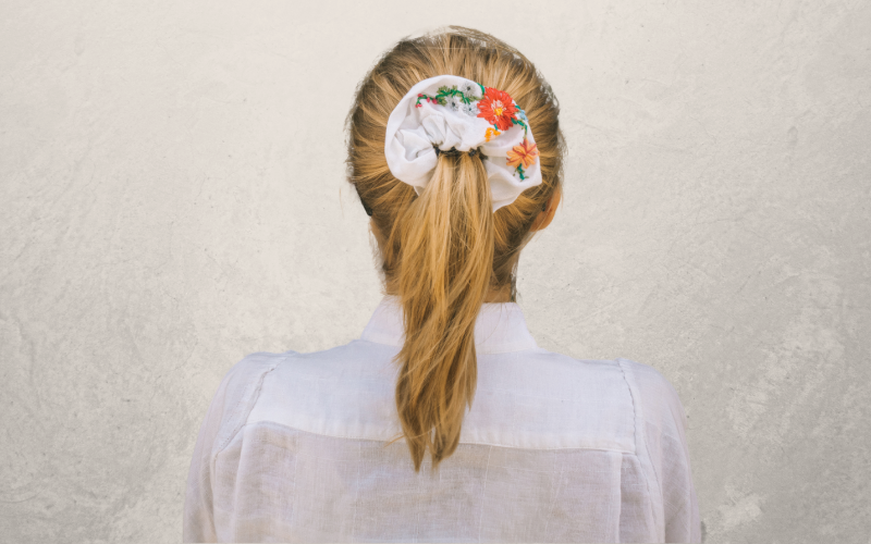 Or a simple scrunchie 1
